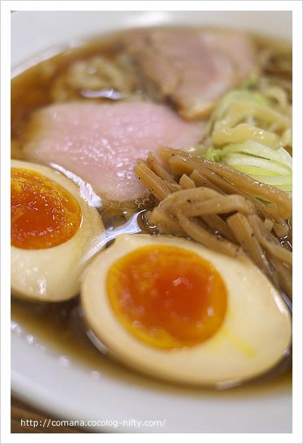 見た目も麗しい醤油らー麺